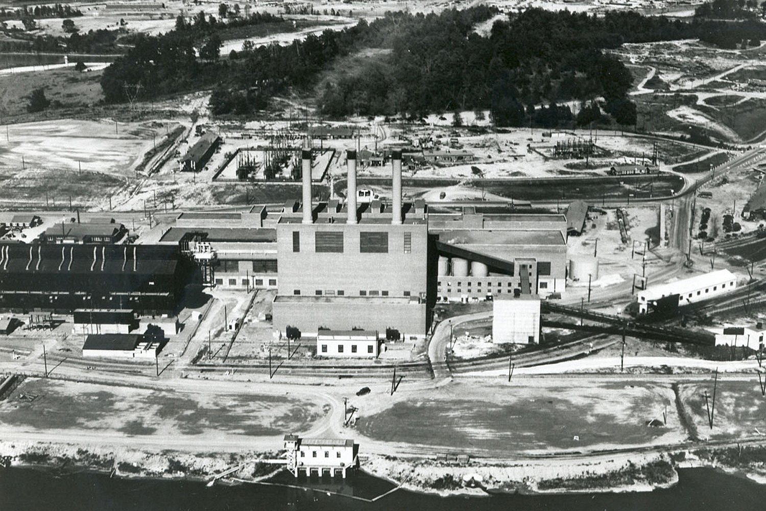 K-25 Powerhouse with S-50 process building to the side